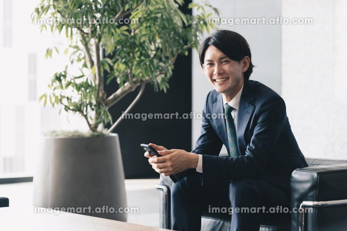 若手経営者のイメージ・スタートアップ起業をする男性の販売画像