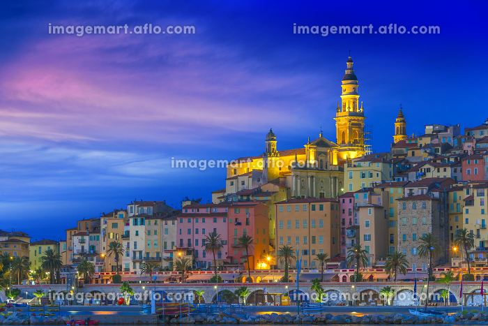 Old town architecture of Menton on French Rivieraの販売画像