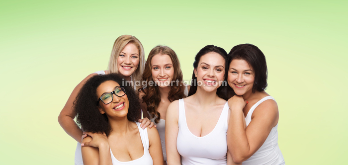 group of happy different women in white underwearの販売画像