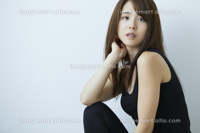 日本人女性の販売画像