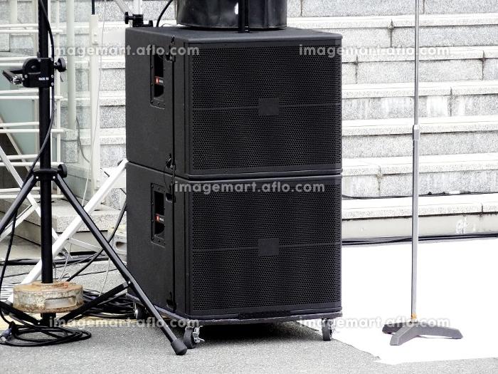 野外ライブコンサートの大型スピーカーの販売画像