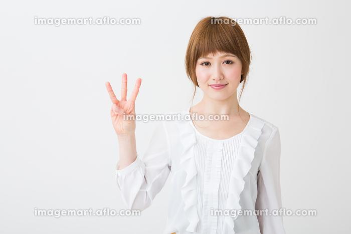笑顔の女性 3番の販売画像