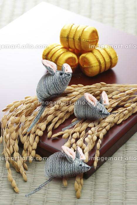 米俵とネズミの販売画像
