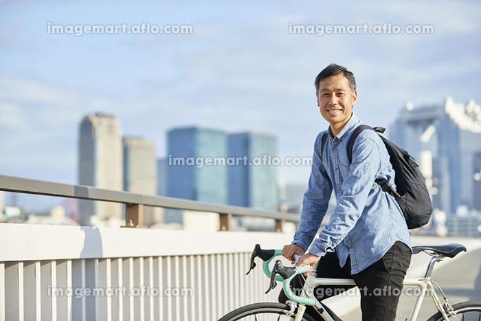 自転車と日本人男性