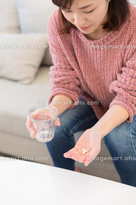 女性 薬の販売画像