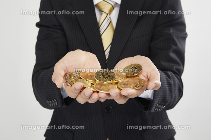 ビットコインを持つビジネスマン
