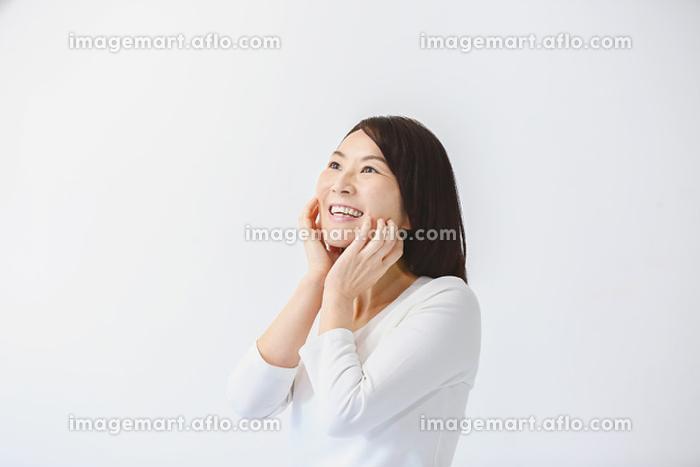 笑顔の40代日本人女性の販売画像