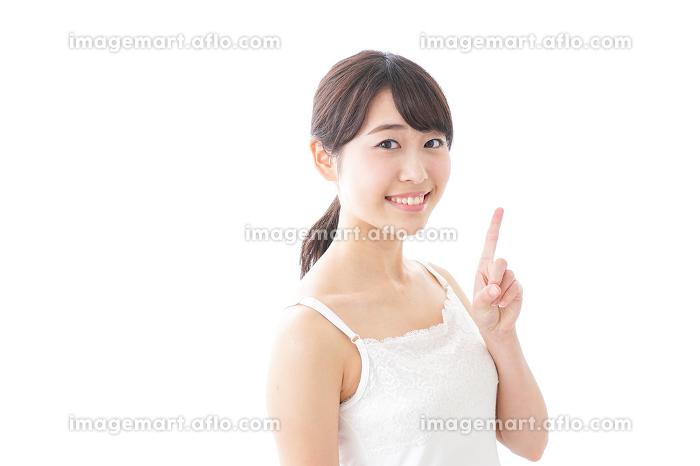 美容アドバイスを送る女性の販売画像