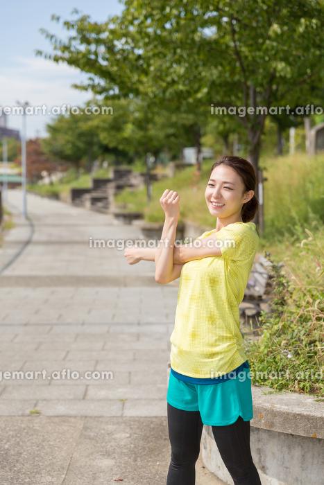 フィットネスイメージ 女性 走るの販売画像