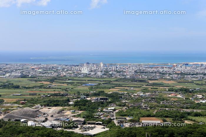 エメラルドの海の見える展望台からの景色 石垣島 沖縄の販売画像