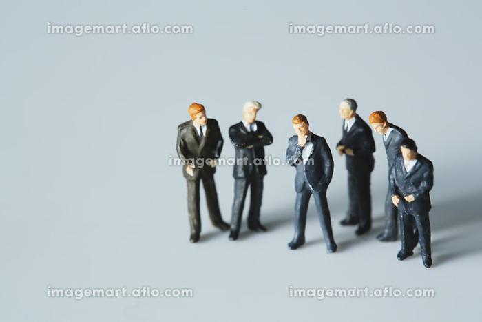 ビジネスパーソンのフィギュア人形