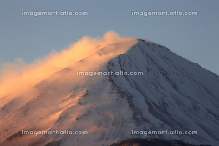 河口湖から望む富士山の夜明けの販売画像
