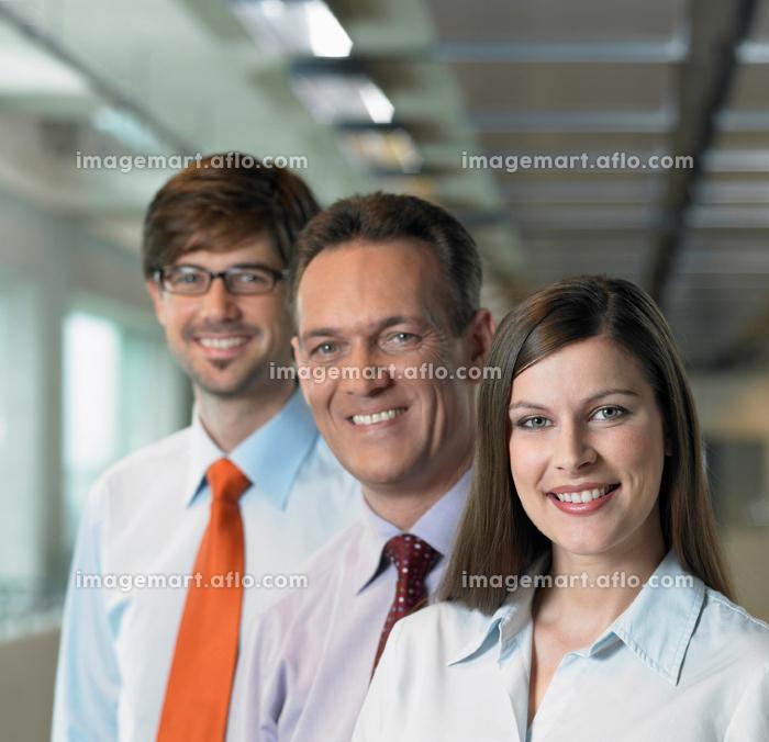 Three Businesspeople, close upの販売画像