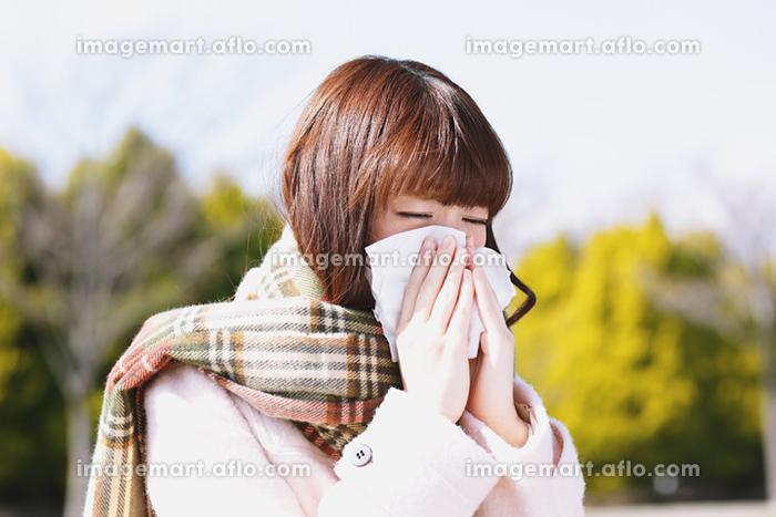 体調不良の日本人女性の販売画像