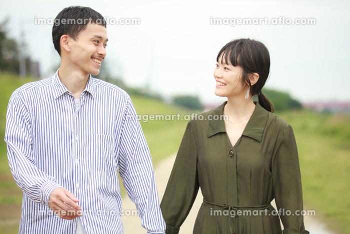 笑顔の夫婦の販売画像