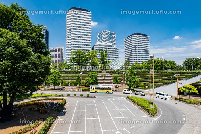 初夏の埼玉県川口市の川口駅前の風景 5月の販売画像