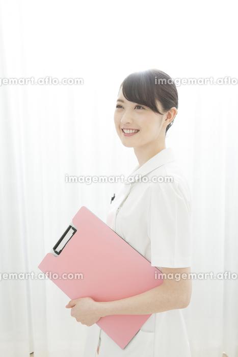 笑顔の看護師の販売画像