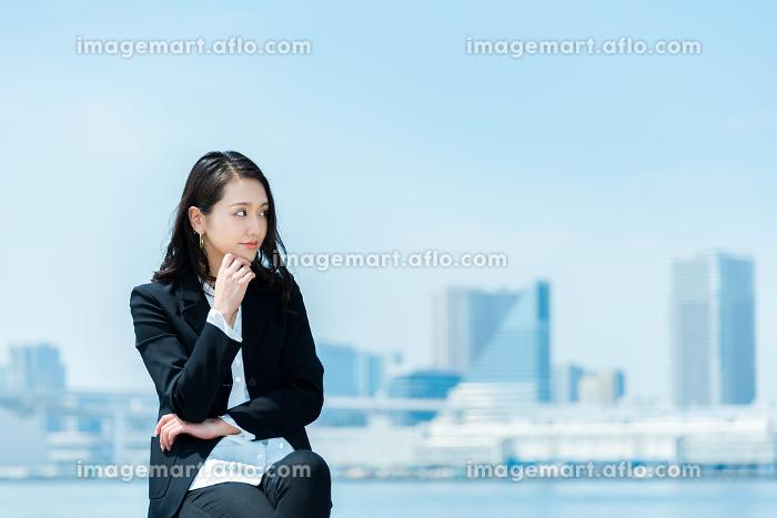 女性 20代後半〜30代前半 ビジネスイメージの販売画像
