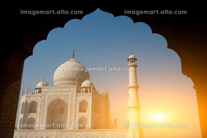 Taj Mahal archway viewの販売画像