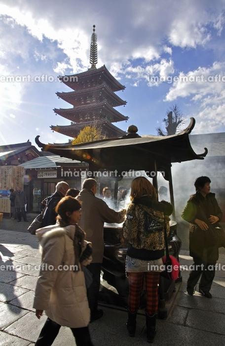 浅草・浅草寺境内と五重塔の販売画像