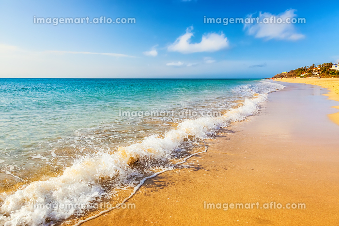 Beautiful ocean beach on Canary islandsの販売画像