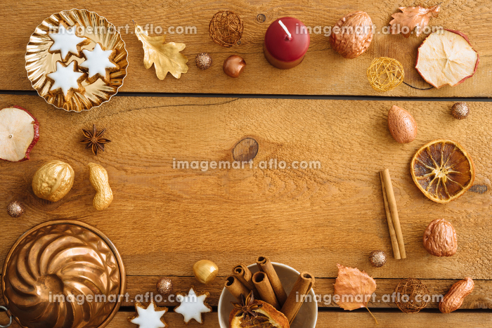 christmas decoration on blue woodの販売画像