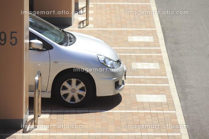 街角の平面駐車場