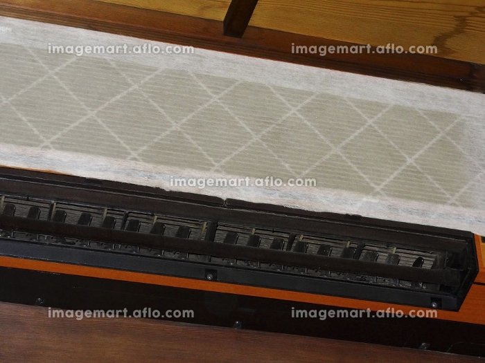 集塵フィルターを付けたエアコンの販売画像