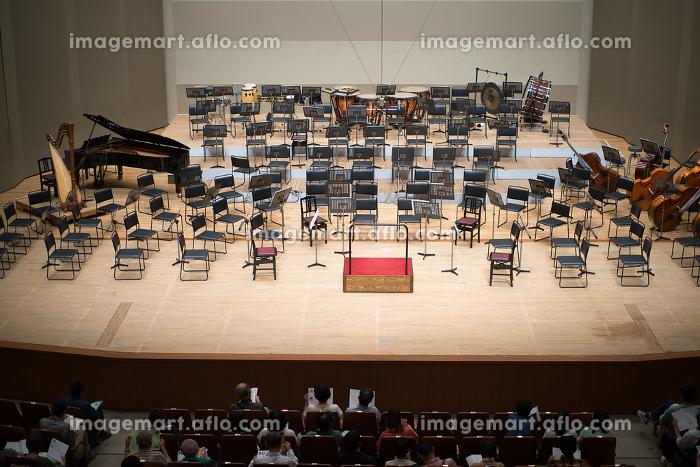 オーケストラのコンサート会場の販売画像