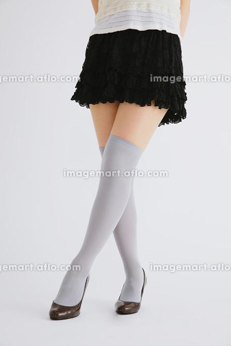 女性の脚の販売画像