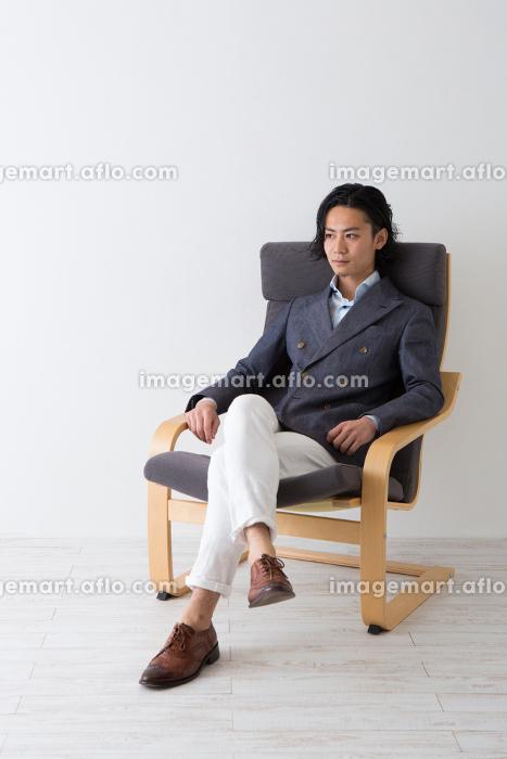 男性のポートレートの販売画像
