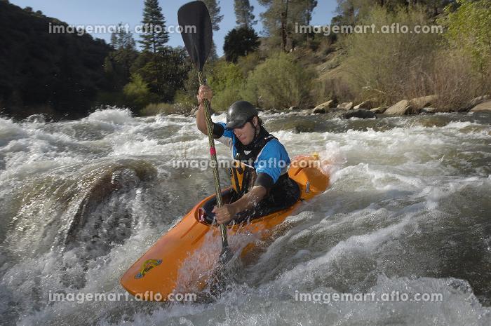 Caucasian Man Kayakingの販売画像