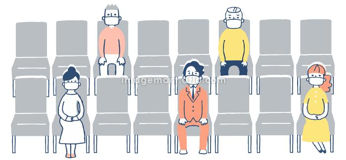一定の距離をとって座席に座る人々の販売画像