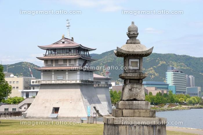 石場(打出浜)の常夜燈と琵琶湖文化館の販売画像