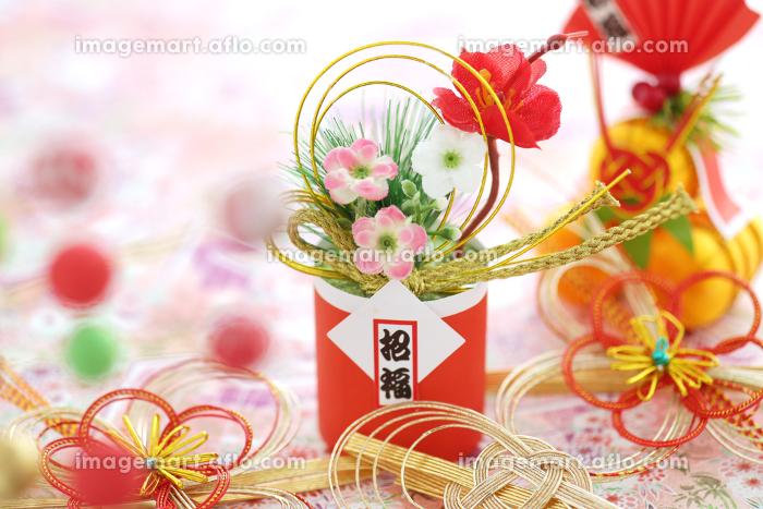 お正月の飾りや小物の集合イメージの販売画像