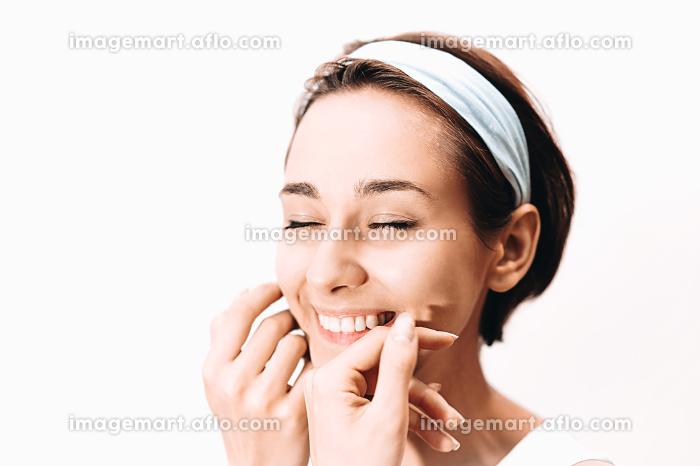 美しい女性のスキンケアイメージの販売画像