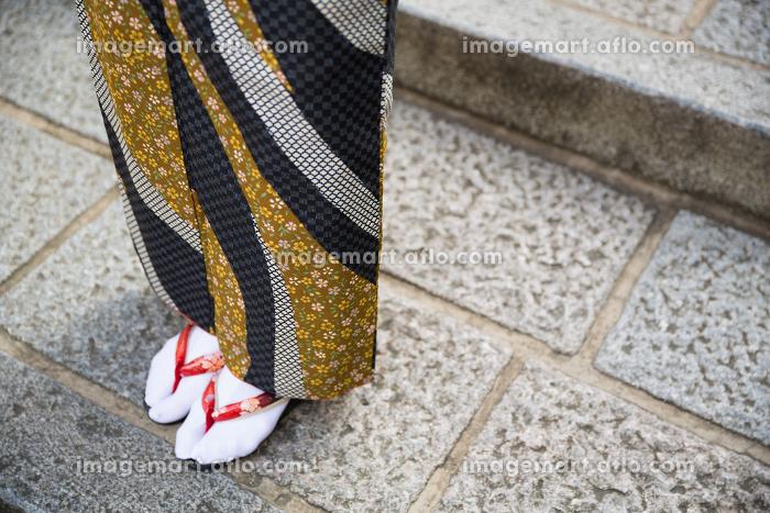 着物を着た女性 足元 ボディーパーツの販売画像