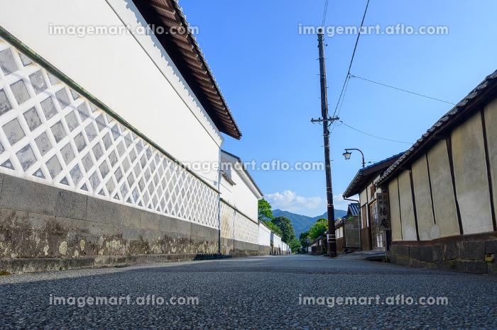 白壁の萩市武家屋敷の街並みの販売画像
