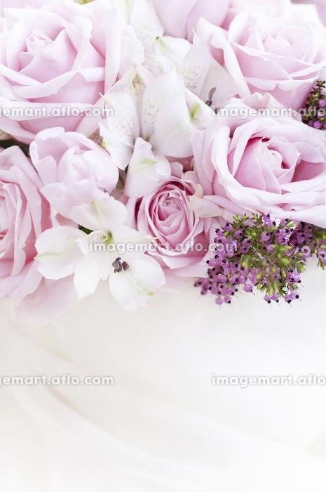 ピンクのバラのブーケの販売画像