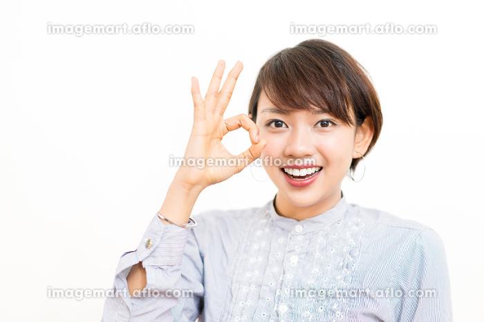女性・外国人(許可・OK・マル)ポーズの販売画像