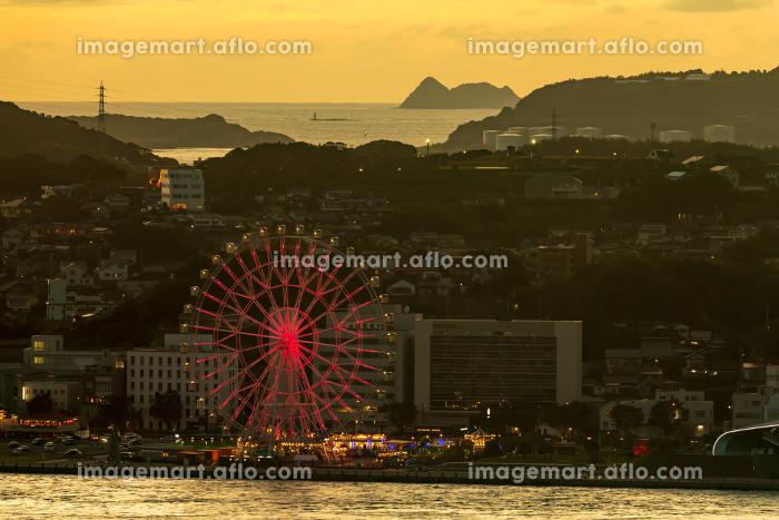 門司港レトロ展望室から見る下関観光地の夕暮れの販売画像