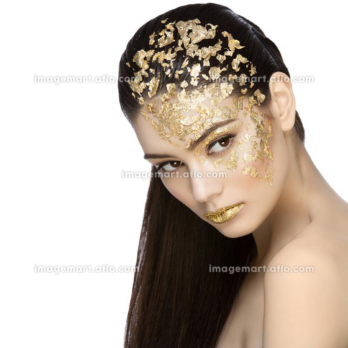 Girl with gilden foil makeupの販売画像