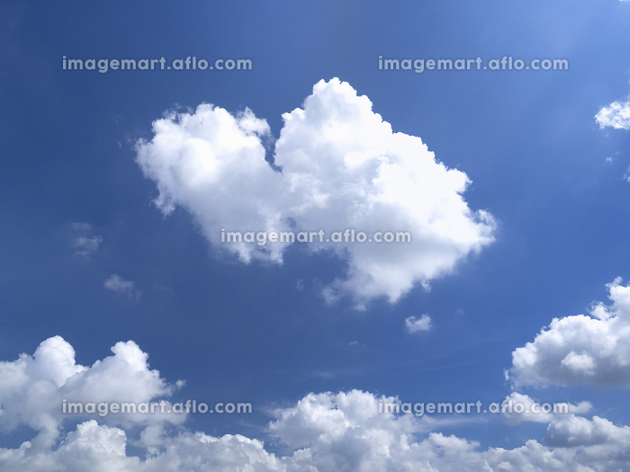 東京の夏空と雲の販売画像