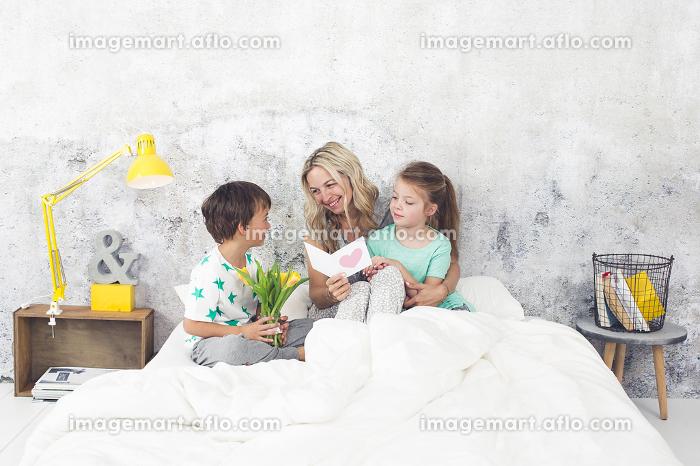 お母さん 幸せ 朝の販売画像