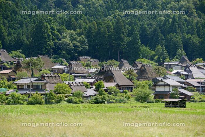 美山かやぶきの里 遠景 京都府南丹市美山町の販売画像
