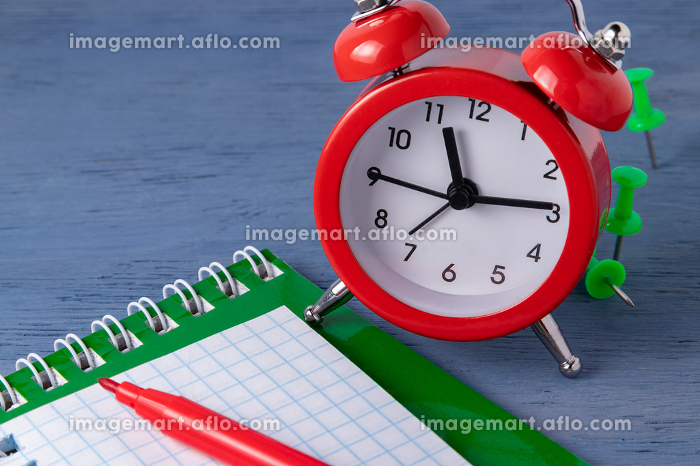 Time management Deadline. Time counting Graphic work. Deadlines for the work. Catch up to a certain time.の販売画像