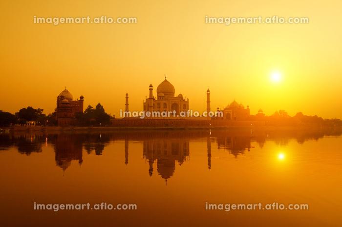 Taj Mahal from yamuna river viewの販売画像