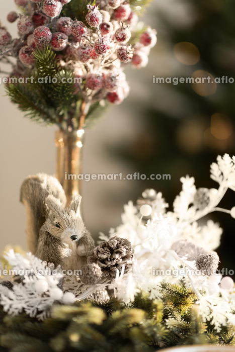 Christmas interior in natural light of sunny dayの販売画像