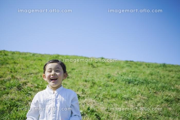 笑顔の女の子の販売画像