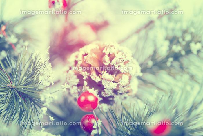 Close up on Christmas tree decorationの販売画像